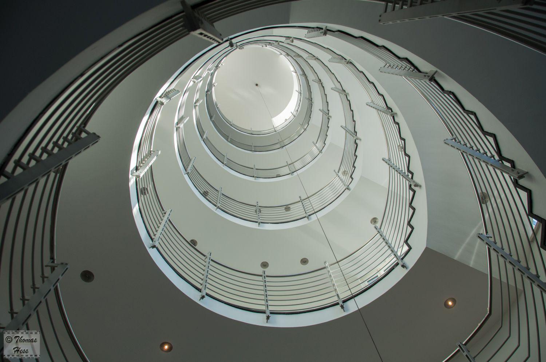 Treppenhaus mit Foucaultschem Pendel